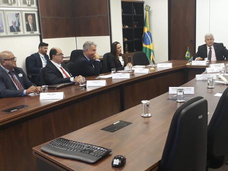 Prefeito Isaac Lima conversa com Ministro da Ciência e Tecnologia sobre distribuição de internet