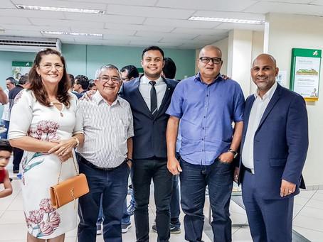 Representando a Prefeitura, Prefeito Isaac e vice Ângela participam de posse de novo gerente do Basa