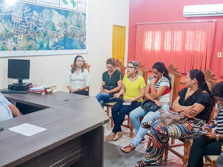 Prefeito Isaac Lima recebe a equipe de Assistentes Sociais do município