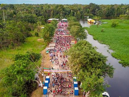 Carnaval da cidade mais ocidental do Brasil é puro sucesso e atraiu mais de 25 mil foliões