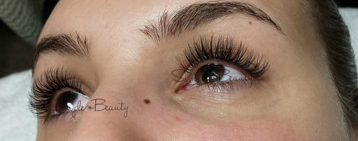 Classic mixed with Volume Lashes