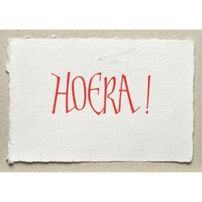 Handgeschepte wenskaart Hoera