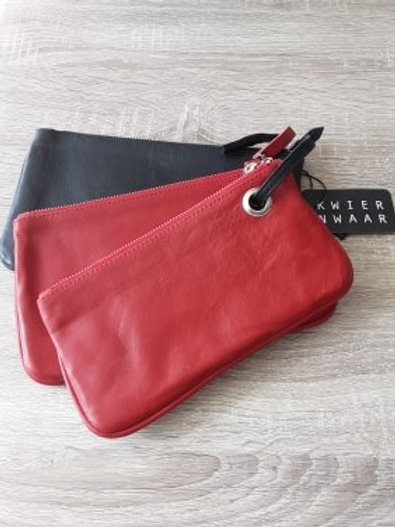Handtas in rood en zwart leder