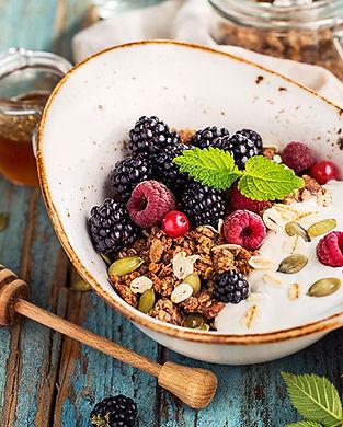 granola-fruits.jpg