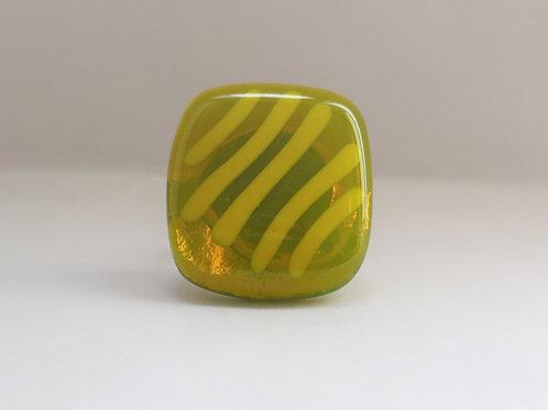 Ring groen glas met geel accent