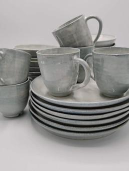 Tassen en ontbijtborden