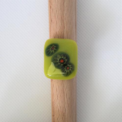 Ring groen glas met 3 millefiori