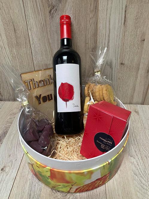 Luxe doos met wijn, cuberdon...