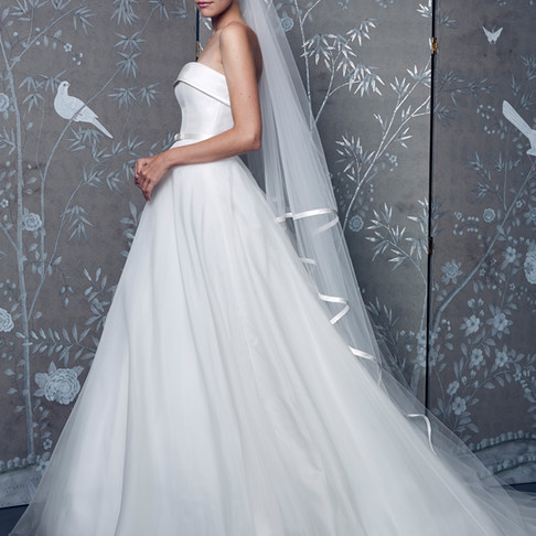 Less Is More – A Newfound Love for Minimal Bridal Gowns