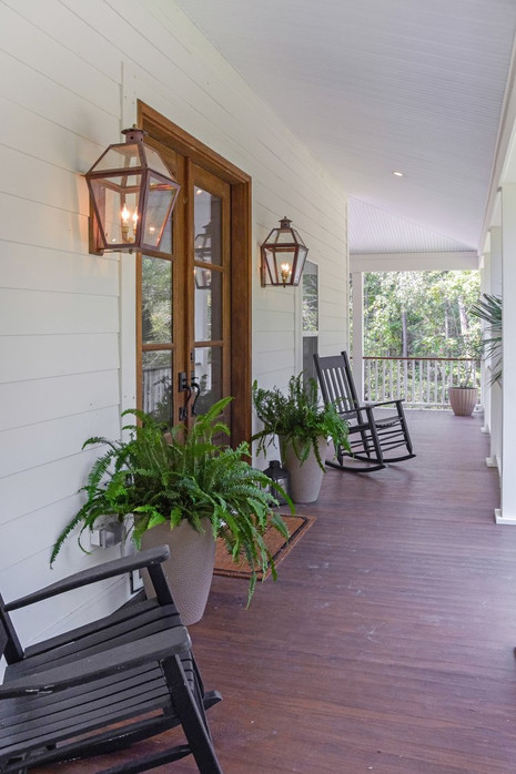 Front+Porch+Ext.jpg