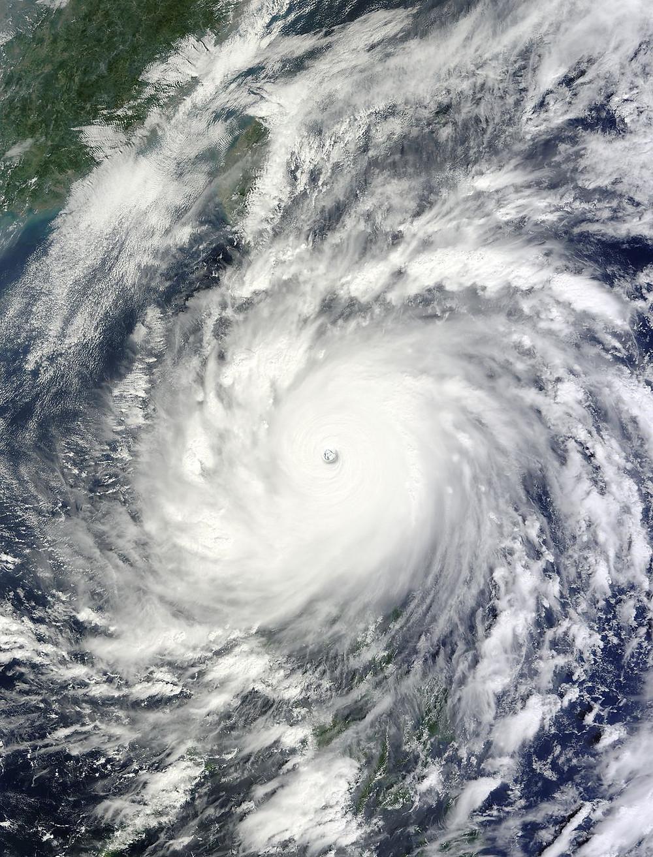 強烈颱風梅姬