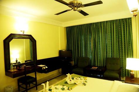 Standard Room 1.jpg