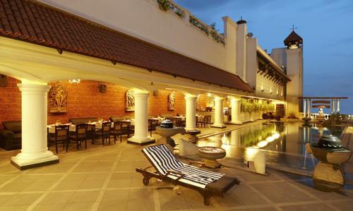 Pool Side Restaurent.jpg
