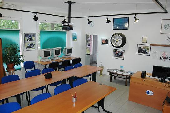 moto école Onex exterieur 2