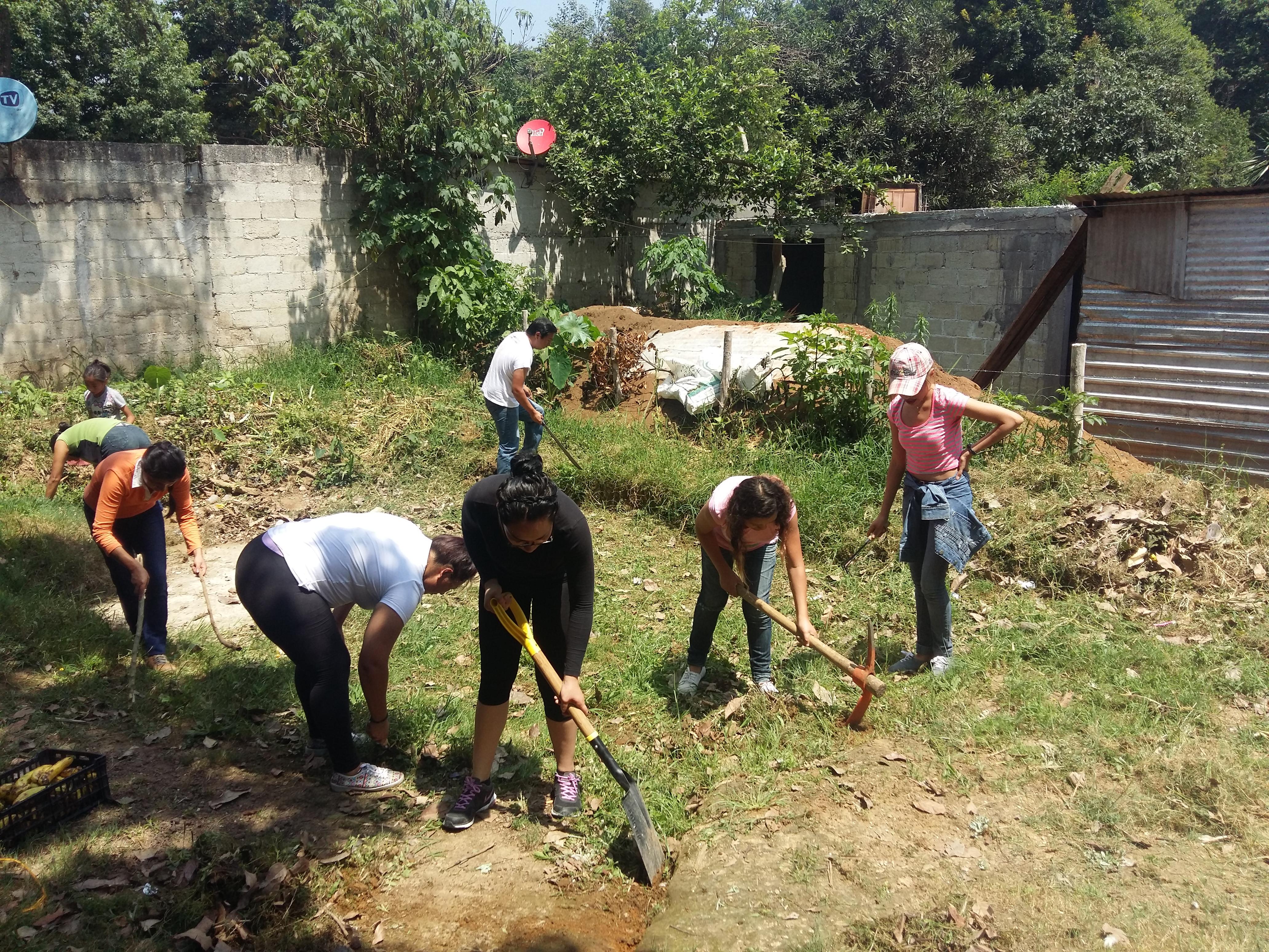 Trabajando el Huerto con familias