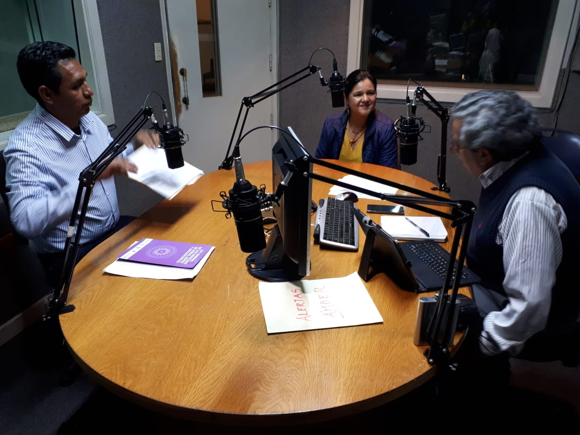 Programa radiofónico en Radio UV
