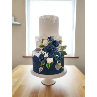 Beautiful wedding cake that was delivere