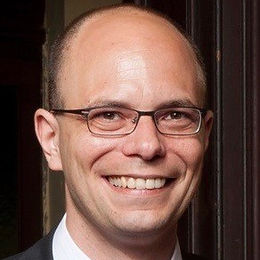 Dr. Sebastian Müller-Klestil