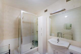 Main Room En-Suite