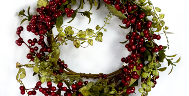 """Wreath - Red Berry Greenery Candle Ring - 13""""  (35673)"""