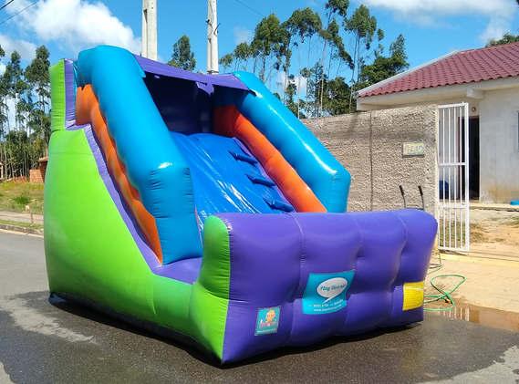 tobogã inflável para locação