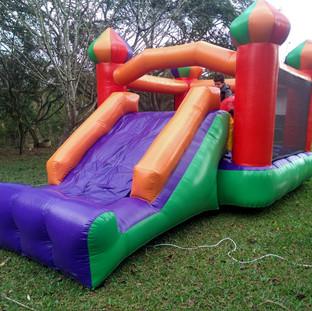 Castelo com tourinho Play Diversão2