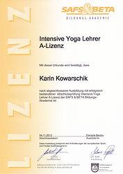 Karin Kowarschik Intensive Yoga Lehrer A-Lizenz