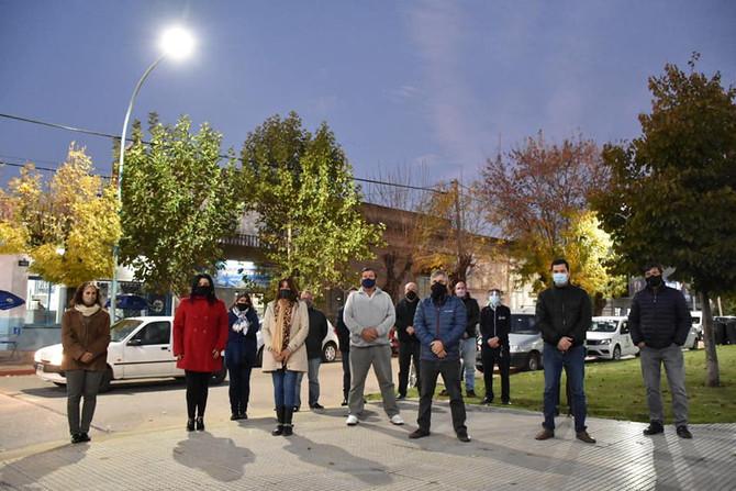 Presentaron finalización de obra de colocación de las luminarias LED en cuadrante de la Plaza Mitre