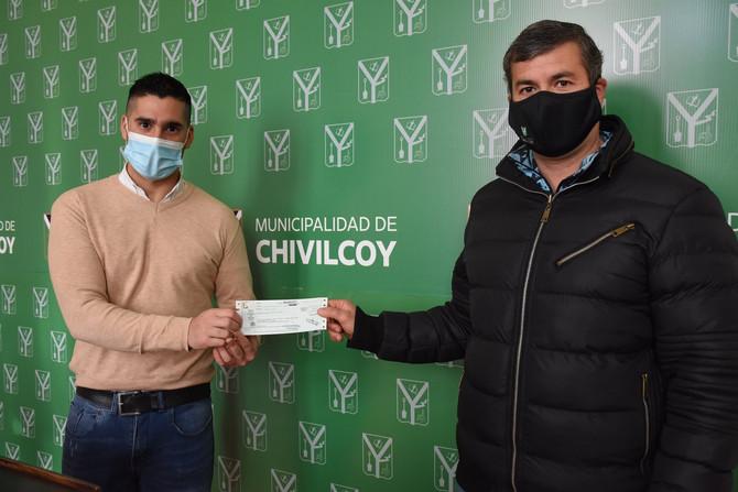 Nueva jornada de entrega de cheques a clubes y a entidades deportivas de nuestro medio