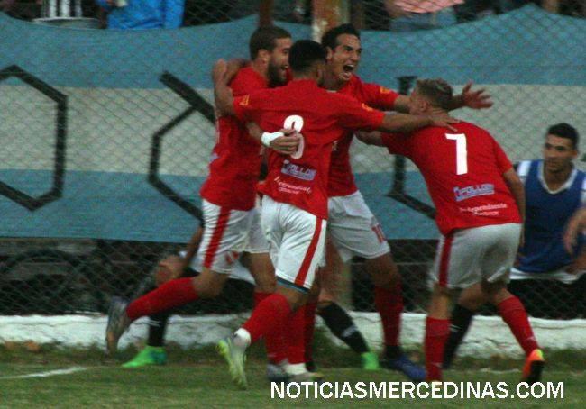Fútbol Independiente por la victoria de la clasificación a semifinales