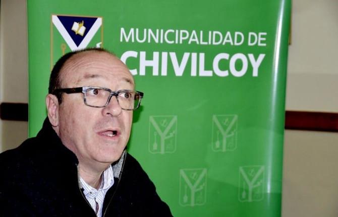 """Adrián Vila: """"Calculamos en la historia de Chivilcoy hay más de 600 autores solamente de literatura"""""""