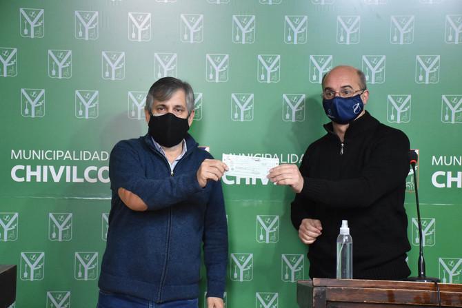Entregaron cheques por un total de $1.860.000 destinado a Clubes y la Liga Chivilcoyana de Fútbol