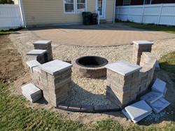 Paver Patio | Seat Walls | Fire pit