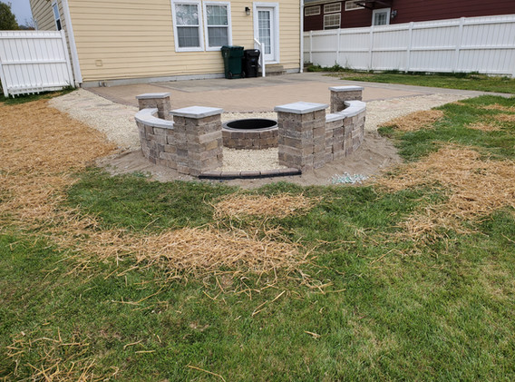 Seat wall and paver patio.jpg