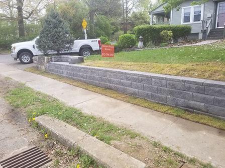 Retaining wall install