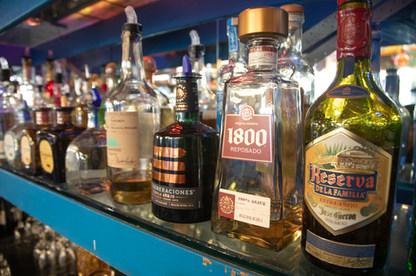 Tequilas-05.jpg