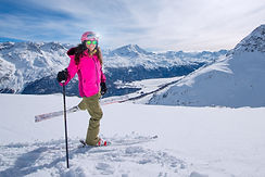 young-girl-on-skies-in-winter-mountain-V