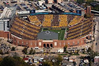 Stadium-002.jpg