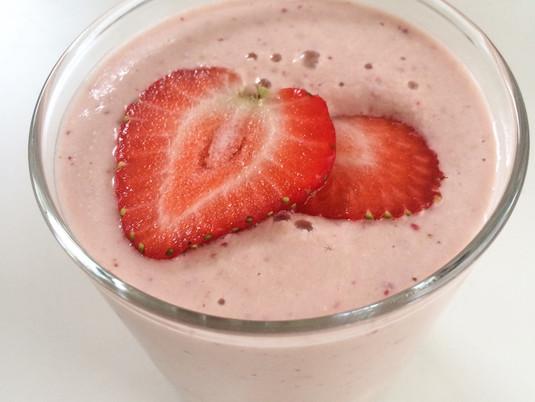 Strawberry Cashew Maca Shake
