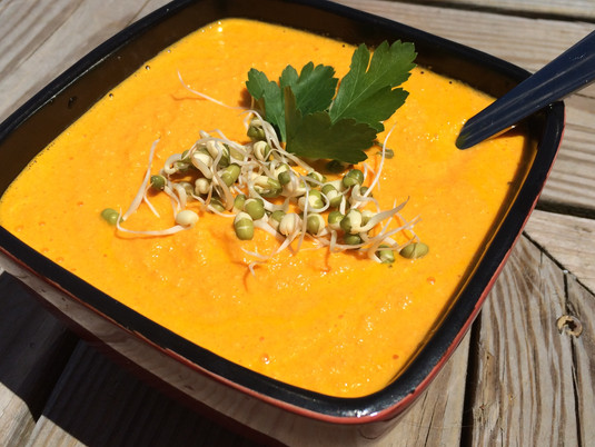 Raw carrot soup