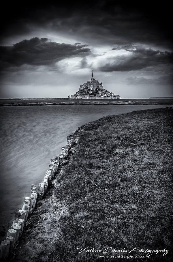 Mont St Michel, Normandie, Noir et blanc, Dramatic sky,