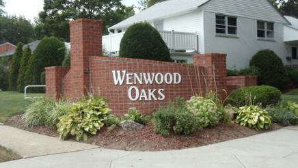 Wenwood Oaks Raised Letters