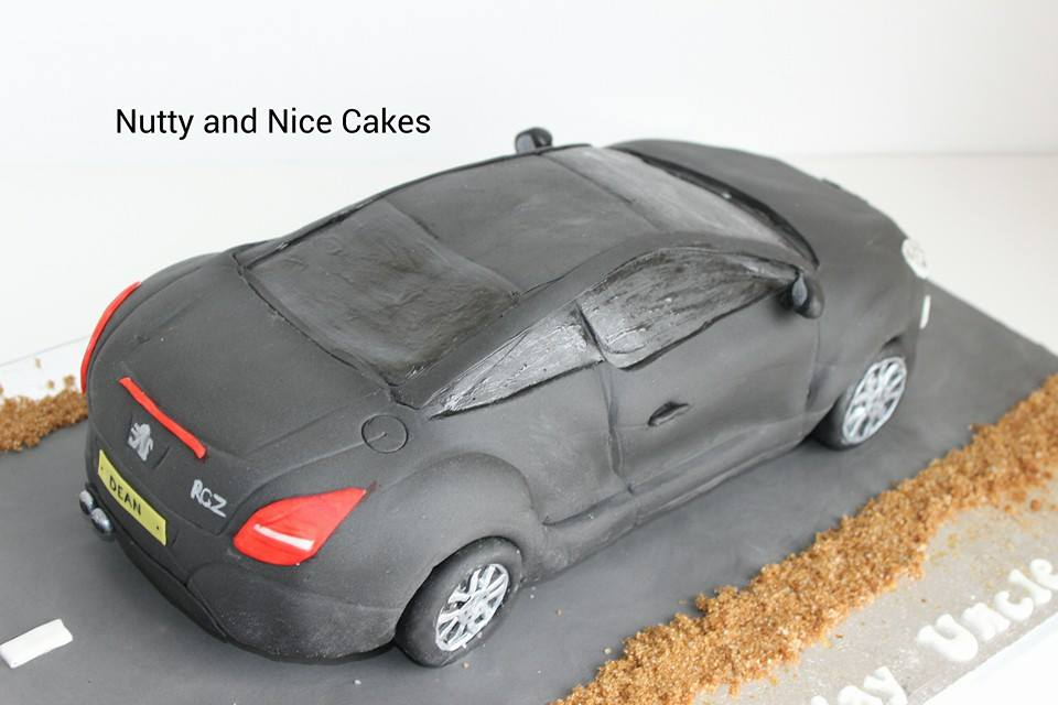 Car cakes by Nutty and Nice Cakes
