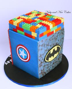 Lego Superheroes cake2