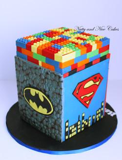 Lego Superheroes Cake3