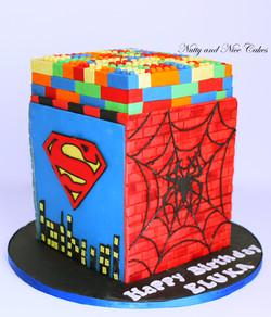Lego Superheroes Cake4