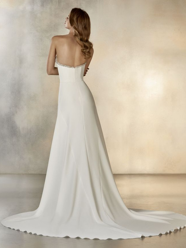 Atelier Pronovias Rising Moon