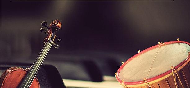 De tambourins et de violons...