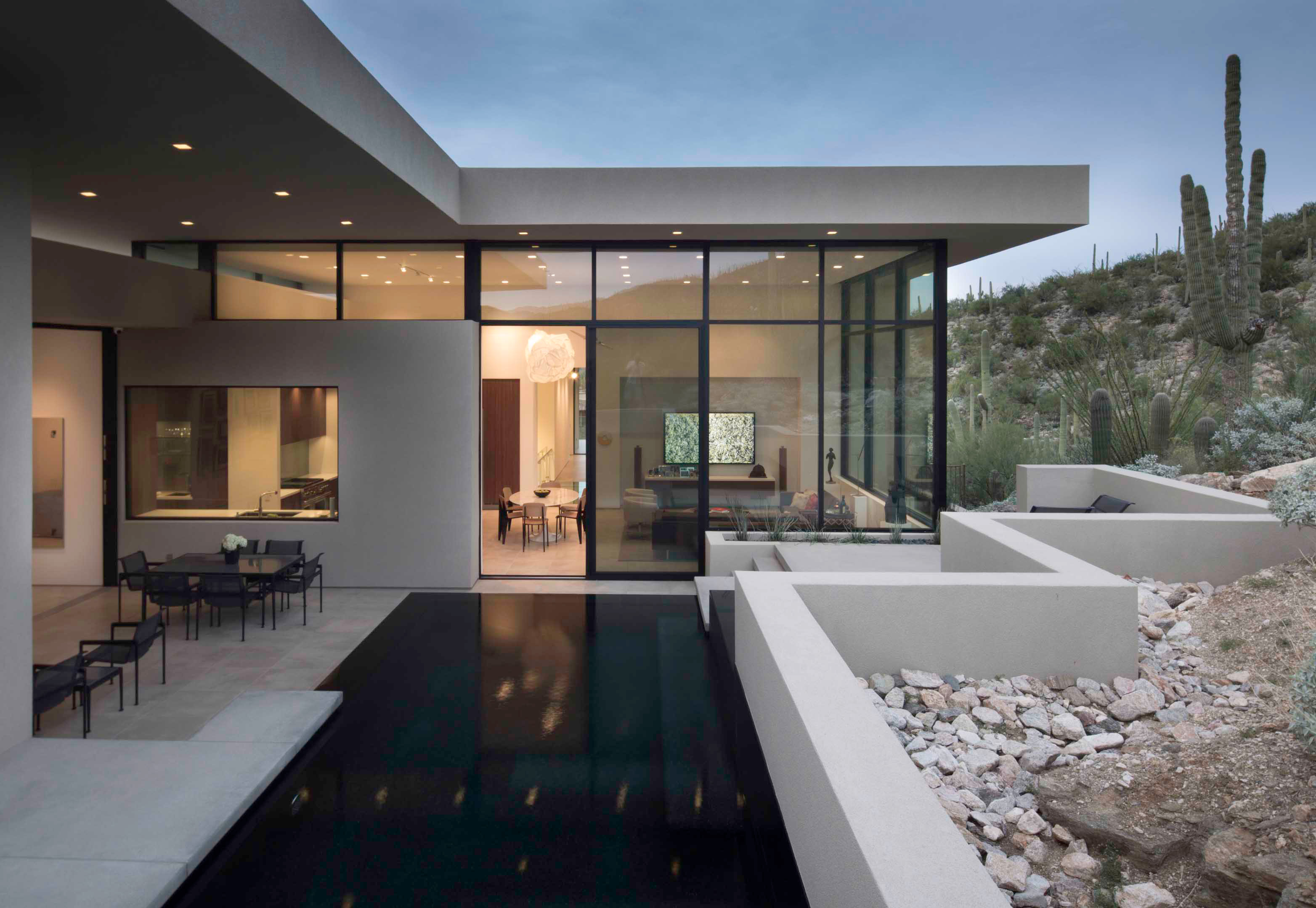 Modern desert home w/ glass windows