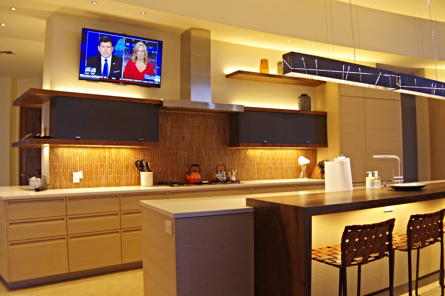 Modern kitchen lighting design